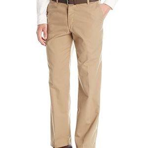 Lee Men's Straight Fit Flat Front Pant